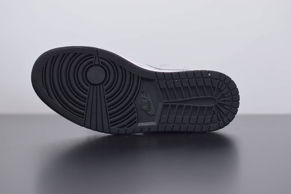 乔丹AIR JORDAN 1 RETRO HIGH OG AJ1闪耀的灯球中帮休闲篮球鞋纯原版本  货号:CU9304-001