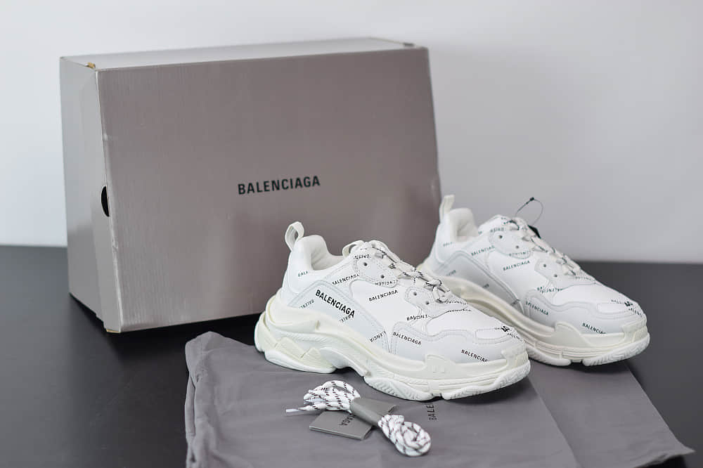 巴黎世家Balenciaga Triple S满印Logo串标老爹鞋