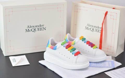 麦昆Alexander McQueen 2020早春款荧光七色系列彩虹色尾小白松糕鞋纯原版本