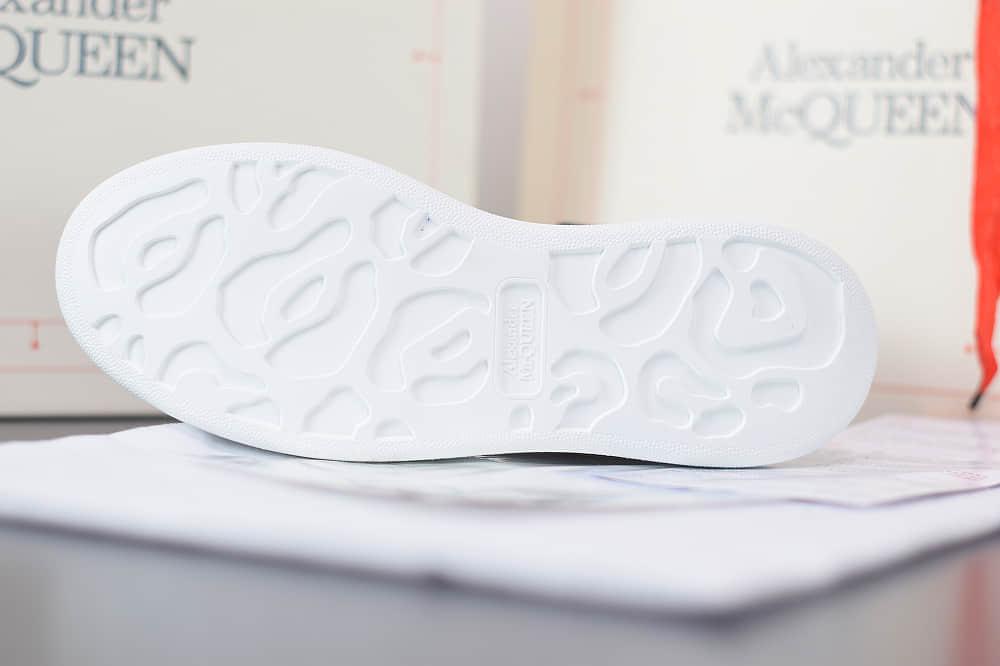 麦昆Alexander McQueen 2020早春款荧光七色系列蓝黑钻尾小白松糕鞋纯原版本