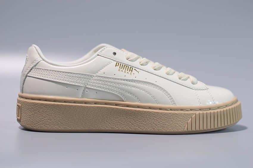 彪马Puma Basket Platform Patent Wn's 蕾哈娜低帮奶白漆皮板鞋纯原版本 货号:363314-05