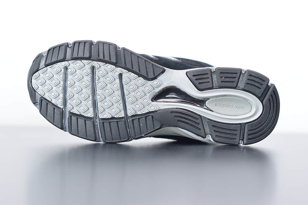 新百伦New Balanc 990V4灰黑美产系列经典复古休闲运动慢跑鞋纯原版本 货号:M990BK4