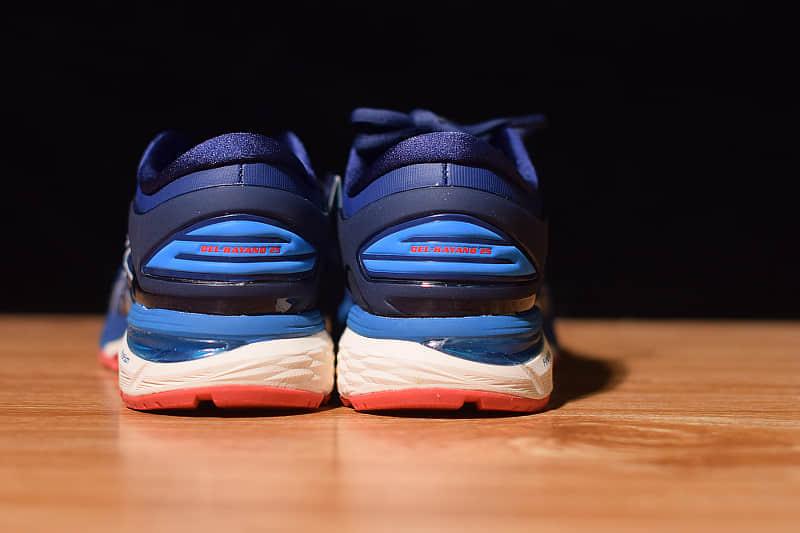 亚瑟士ASICS GEL-KAYANO25白蓝跑鞋李治廷同款系列纯原版本 货号:1011A019-400