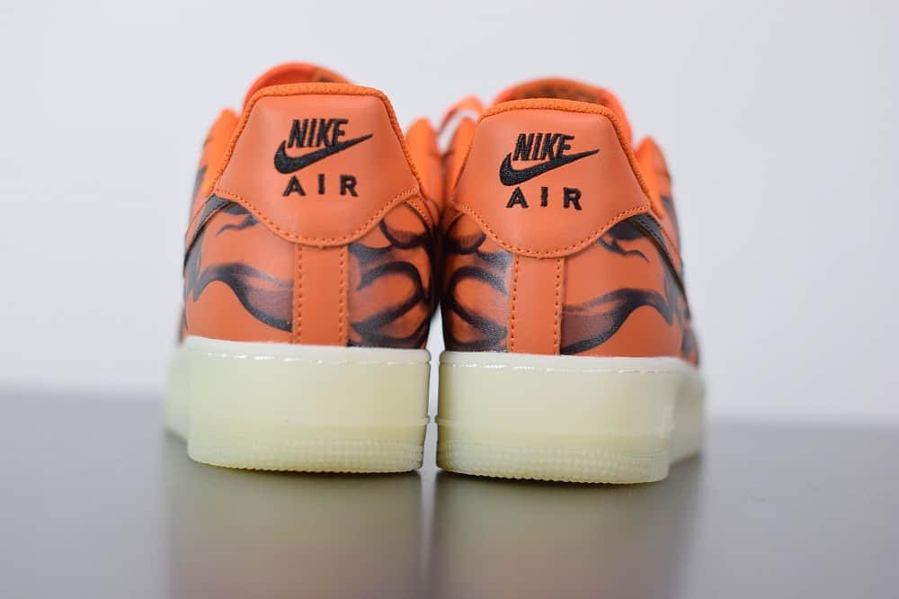 耐克Nike Air Force 1'07 Skeleton QS万圣节橙黑夜光骨骼低帮板鞋纯原版本 货号:CU8067-800