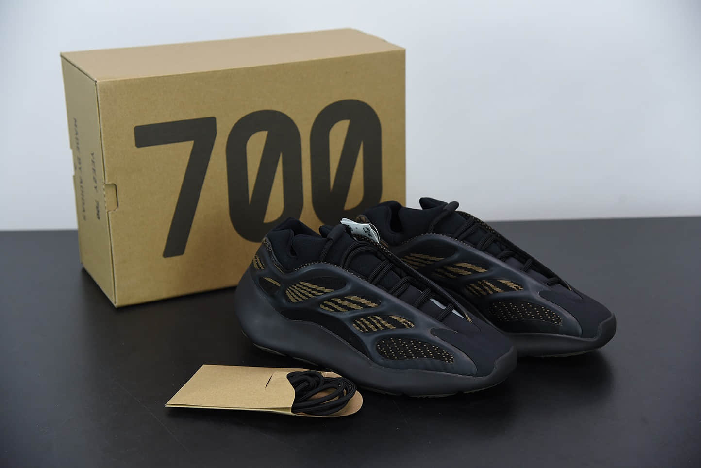 """阿迪达斯Adidas Yeezy 700 V3 """"Eremiel""""黑黄配色侃爷椰子夜光鞋面异型复古老爹鞋纯原版本 货号:GY0189"""