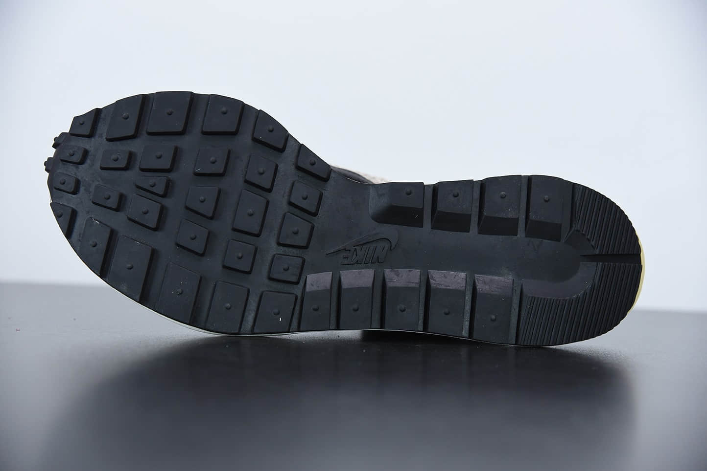 耐克Sacai x Nike Vaporwaffle String Villain Red 酒红华夫三代潮流走秀双色超级联名款纯原版本 货号: DD3035-200