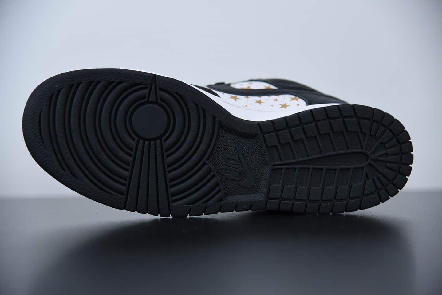 耐克Supreme x Nk SB Dunk Low黑色星星联名款休闲运动滑板鞋纯原版本 货号:DH3228-102