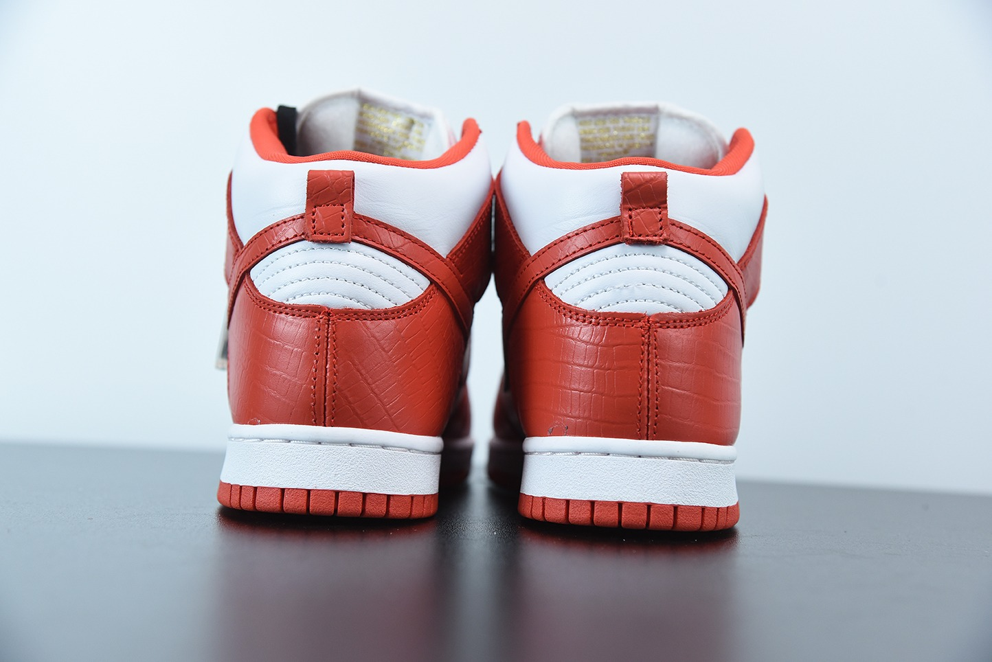 耐克Nike SB Dunk High ×Suprme联名红色满天星高帮时尚休闲板鞋纯原版本 货号:307385-161