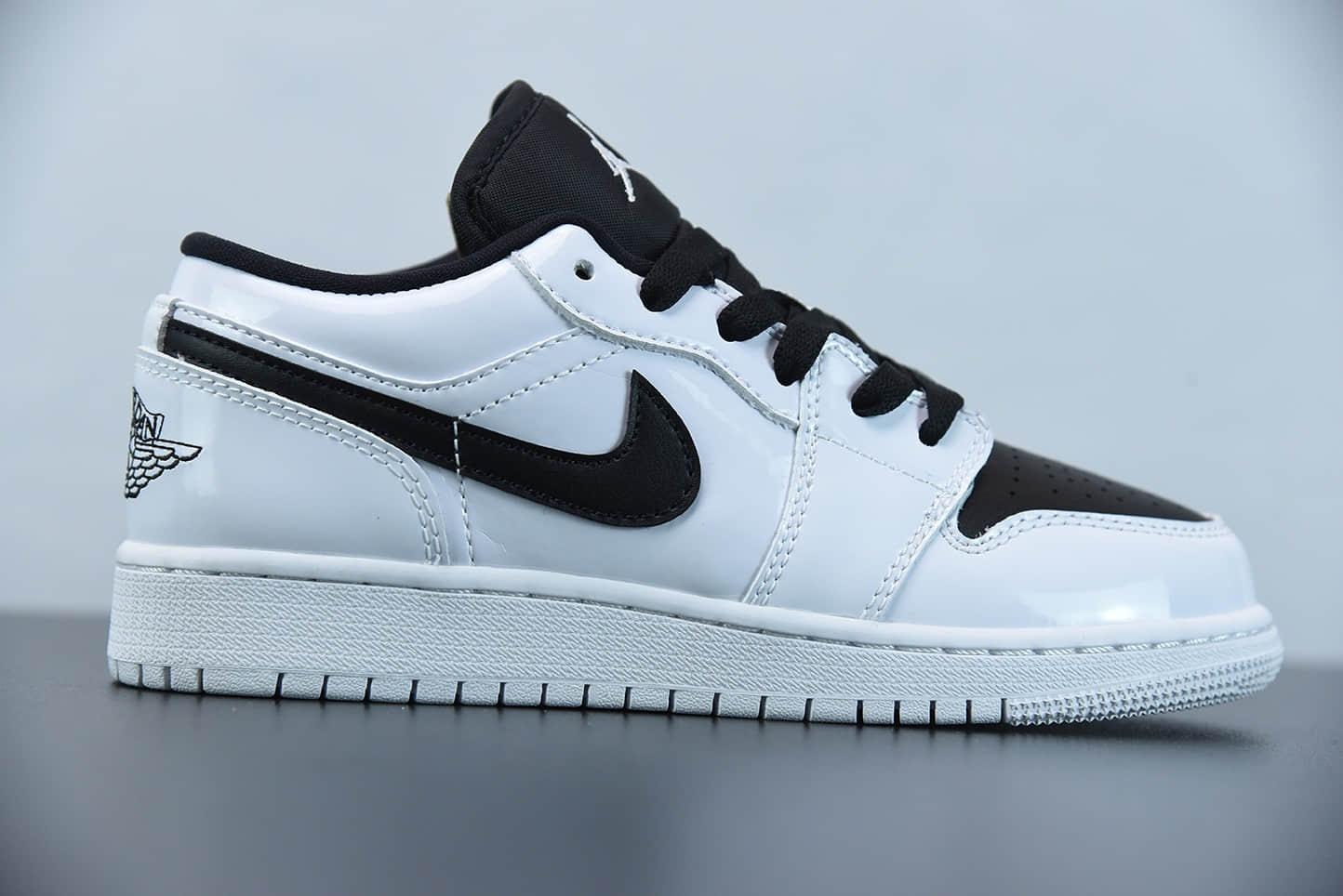 乔丹Air Jordan 1 Low WHITEBLACK 黑白熊猫低帮潮流缓震运动休闲板鞋纯原版本 货号:553560-103