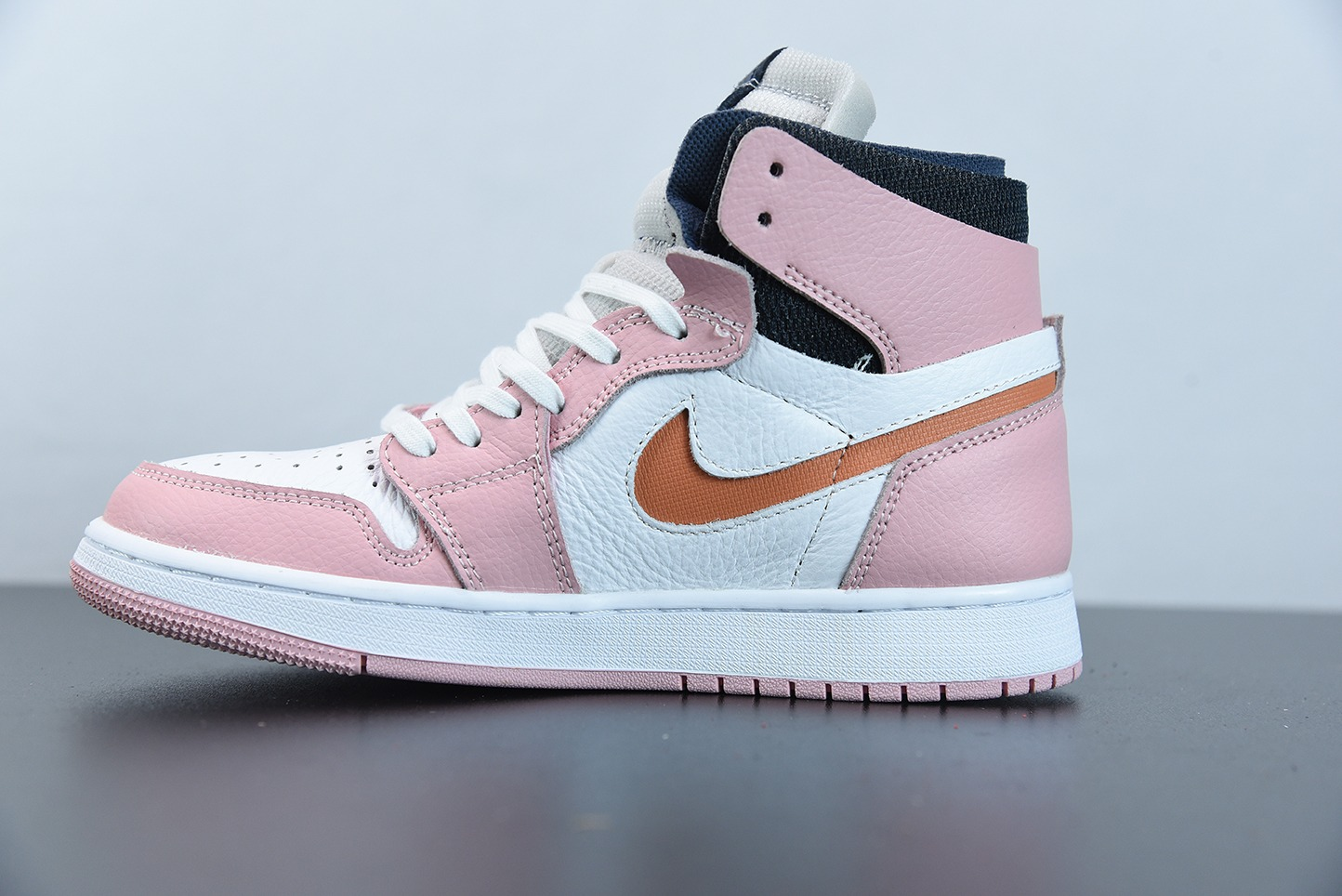 乔丹Air Jordan 1 Zoom Air CMFT粉红釉樱花粉高帮板鞋纯原版本 货号:CT0979-601
