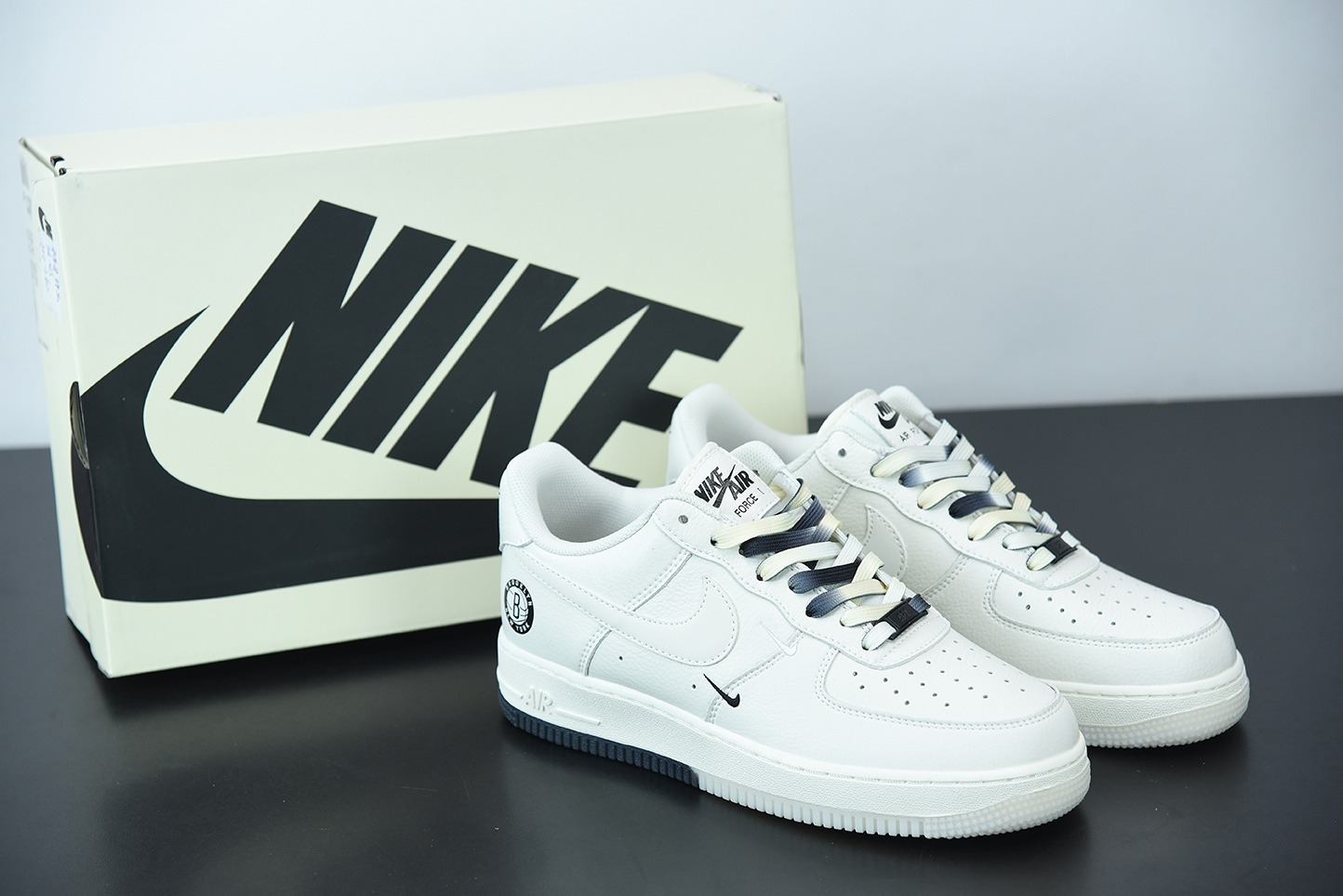 """耐克 Nike Air Force 1 Low '07 """"米黑白""""布鲁克林篮网城市限定低帮空军一号休闲板鞋纯原版本 货号:CT1989-107"""